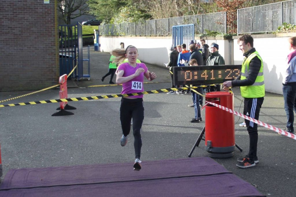 CBS 10K female Open winner
